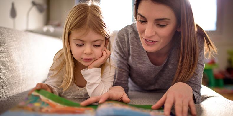 Giovane madre e figlia - 5 cose da ricordare quando sei un genitore bipolare