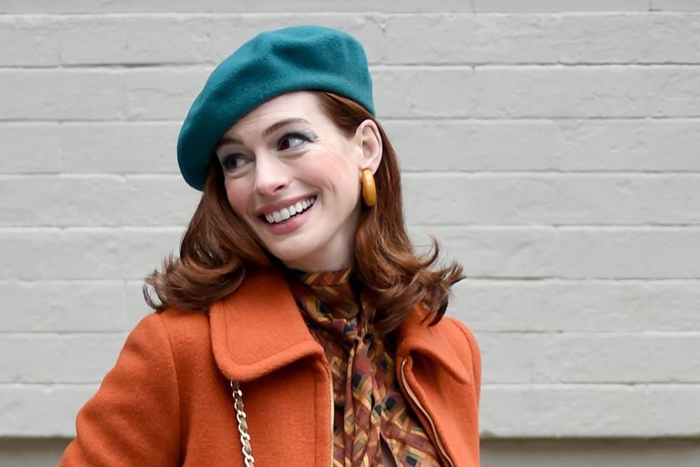 Anne Hathaway - Donna Bipolare in Modern Love